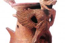 Anglo Koleksi Museum Nasional Indonesia (Tanah Liat, Tinggi 31 cm, Lebar 13 cm, Cirebon, Jawa Barat) (Sumber: Museum Treasures of Southeast Asia )